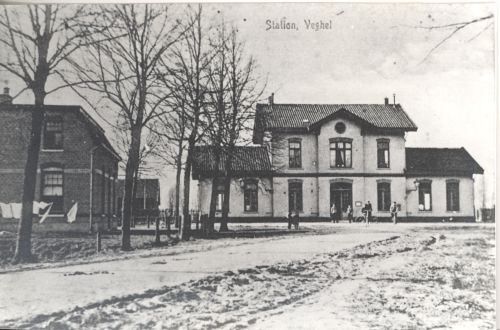 Station, gebouwd in 1872. (ca. 1900)